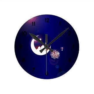 Mezquita en luna creciente reloj redondo mediano