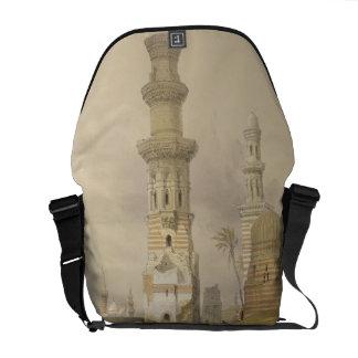 Mezquitas arruinadas en el desierto, al oeste de l bolsas de mensajería