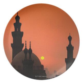 Mezquitas en la puesta del sol plato
