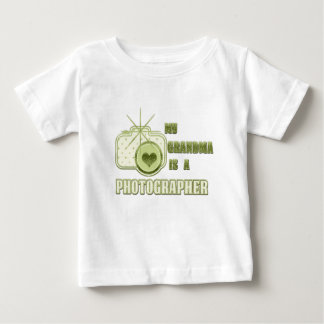 Mi abuela es un verde de la camiseta del fotógrafo