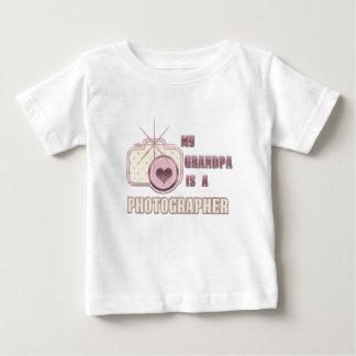 Mi abuelo es un rosa de la camiseta del fotógrafo