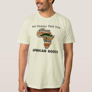 """""""Mi árbol de familia tiene camiseta de raíces Camisas"""