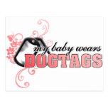 Mi bebé lleva Dogtags Postal