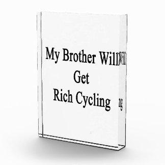 Mi Brother conseguirá el ciclo rico
