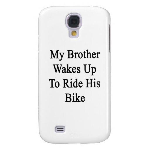 Mi Brother despierta para montar su bici