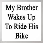 Mi Brother despierta para montar su bici Poster