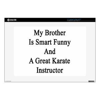 Mi Brother es divertido elegante y un gran karate Skins Para 38,1cm Portátiles