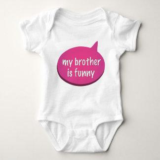 """Mi Brother es divertido - VEA que TAMBIÉN """"soy"""" Body Para Bebé"""