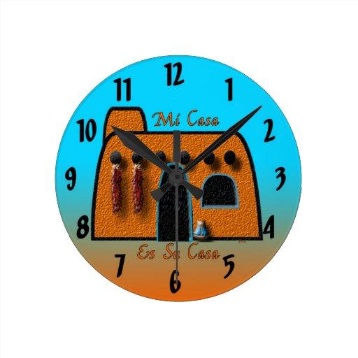 Mi Casa Es Su Casa Round Wall Clock