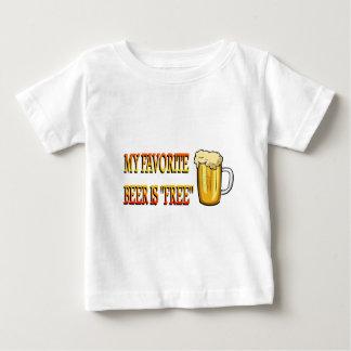 Mi cerveza preferida está libre tee shirt