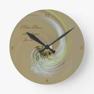"""mi corazón"" by mysteryella reloj redondo mediano"
