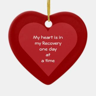 Mi corazón es en mi fecha de la sobriedad de la adorno navideño de cerámica en forma de corazón