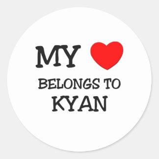 Mi corazón pertenece a Kyan Pegatina