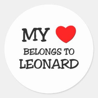 Mi corazón pertenece a Leonard Pegatina Redonda