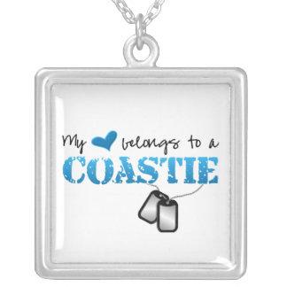 Mi corazón pertenece a mi Coastie Colgante Cuadrado