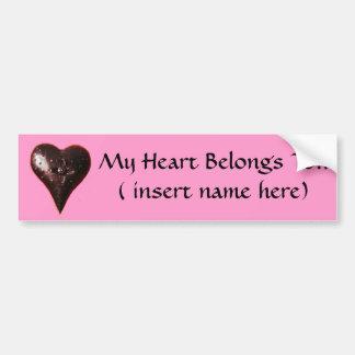 Mi corazón pertenece a… pegatina para auto