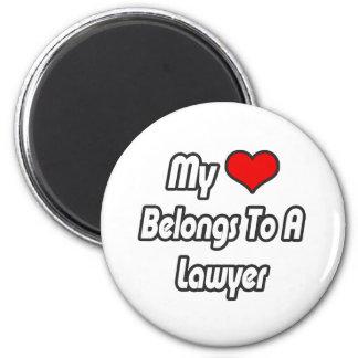 Mi corazón pertenece a un abogado imán para frigorifico