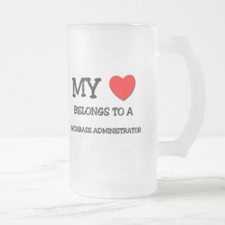 Mi corazón pertenece a un ADMINISTRADOR de BASE DE Taza De Café
