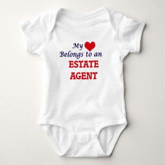 Mi corazón pertenece a un agente de la propiedad body para bebé
