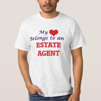 Mi corazón pertenece a un agente de la propiedad playera