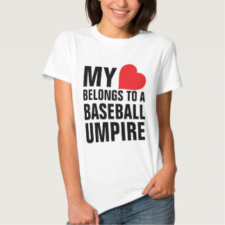 Mi corazón pertenece a un árbitro del béisbol poleras
