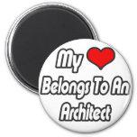 Mi corazón pertenece a un arquitecto imán de frigorifico
