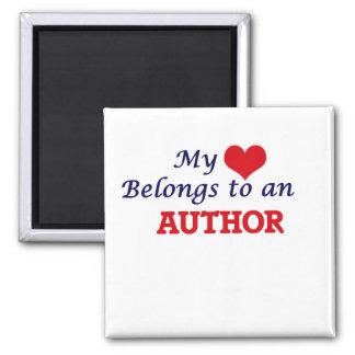 Mi corazón pertenece a un autor imán cuadrado