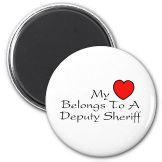 Mi corazón pertenece a un ayudante del sheriff imán redondo 5 cm