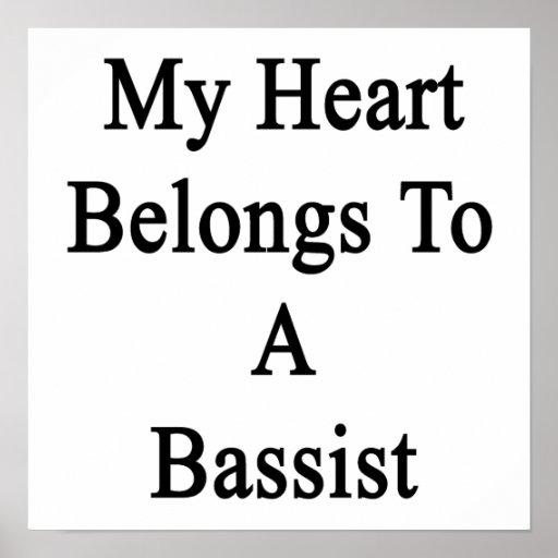 Mi corazón pertenece a un bajista poster