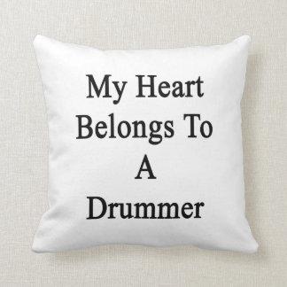 Mi corazón pertenece a un batería almohada
