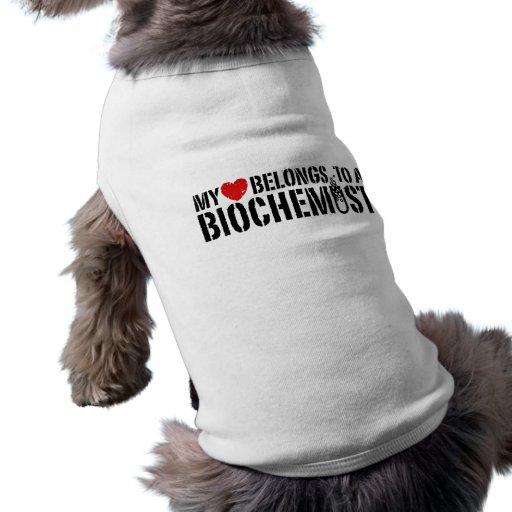 Mi corazón pertenece a un bioquímico camisas de mascota