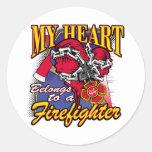 Mi corazón pertenece a un bombero etiqueta redonda
