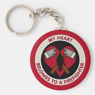 Mi corazón pertenece a un bombero llavero redondo tipo pin