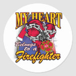 Mi corazón pertenece a un bombero pegatina redonda