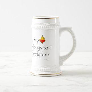 Mi corazón pertenece a un bombero taza de café