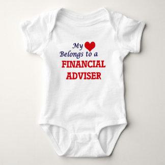 Mi corazón pertenece a un consejero financiero remera