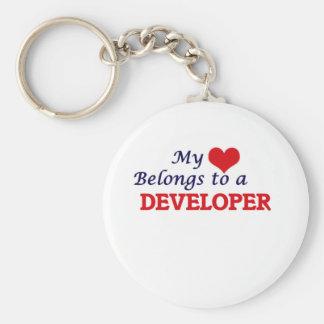 Mi corazón pertenece a un desarrollador llavero redondo tipo pin