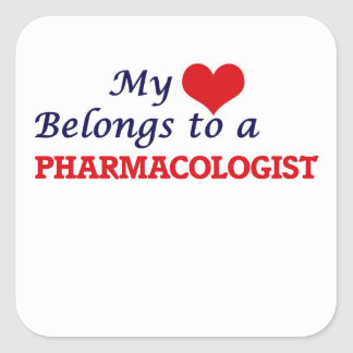 Mi corazón pertenece a un farmacólogo pegatina cuadrada