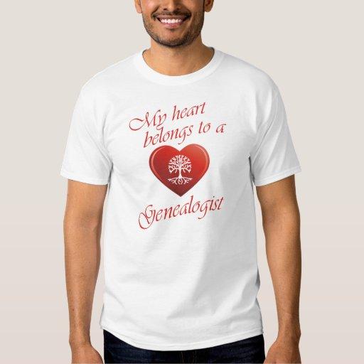 Mi corazón pertenece a un Genealogist Playera