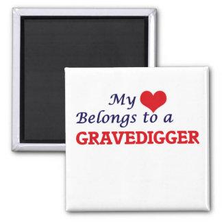 Mi corazón pertenece a un Gravedigger Imán Cuadrado