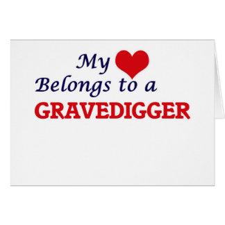 Mi corazón pertenece a un Gravedigger Tarjeta De Felicitación