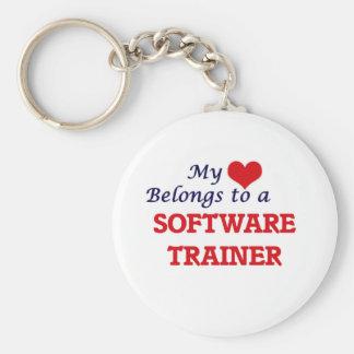 Mi corazón pertenece a un instructor del software llavero redondo tipo pin