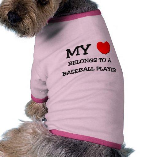 Mi corazón pertenece a un JUGADOR DE BÉISBOL Camiseta Con Mangas Para Perro