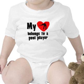 Mi corazón pertenece a un jugador de la piscina traje de bebé
