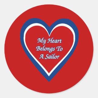 Mi corazón pertenece a un marinero pegatina redonda