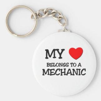 Mi corazón pertenece a un MECÁNICO Llavero Redondo Tipo Pin