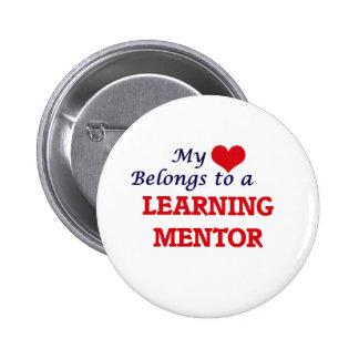 Mi corazón pertenece a un mentor de aprendizaje pin redondo de 2 pulgadas