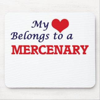Mi corazón pertenece a un mercenario alfombrillas de ratón