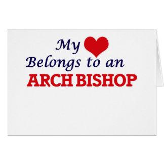 Mi corazón pertenece a un obispo del arco tarjeta de felicitación