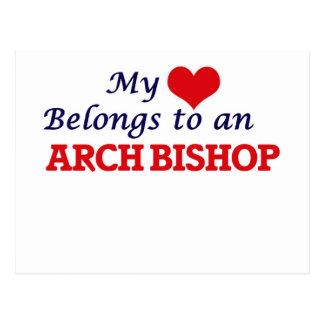 Mi corazón pertenece a un obispo del arco tarjeta postal